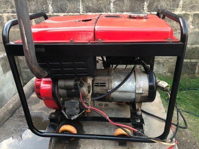 Gerador a Diesel injeção eletrônica de 8 KVA, partida elétrica - Foto 2