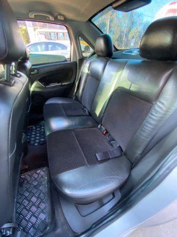 Ford Fiesta 2009 1.6 c/banco de couro e roda de liga - Foto 5