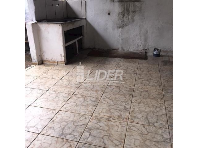 Casa para alugar com 3 dormitórios em São jorge, Uberlândia cod:804306 - Foto 11
