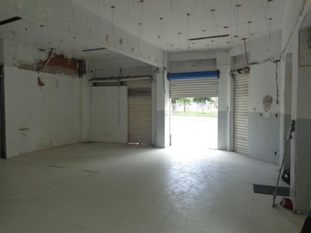 Loja com Área Total de 180 m² para Aluguel em Roma (797910)