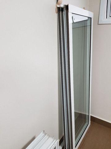 Janela de Alumínio 320x70 branca linha Gold com tela mosqueteira - Foto 4