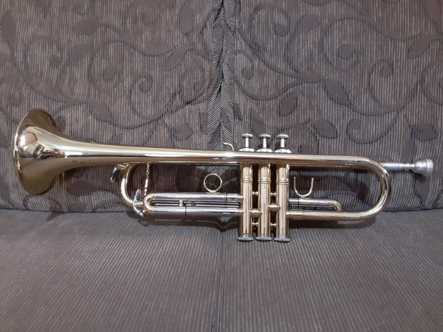 Trompete Eagle Tr 504 nunca foi tocado - Foto 2