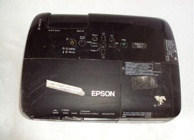 Projetor Epson S6+ lampada com projeção borrada - Foto 4