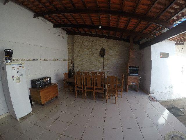 Casa a venda em Paracatu com 4 quartos