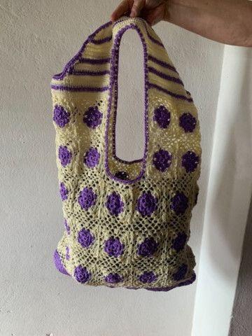 Bolsa de crochê nova - tecida com fios de seda