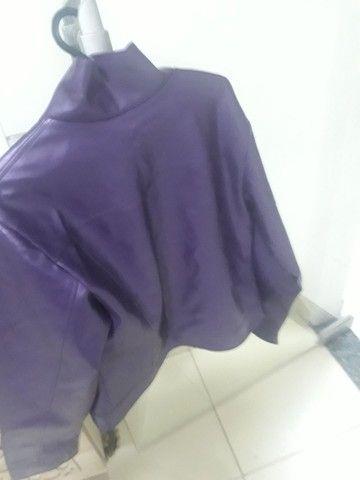jaqueta feminina napa roxa impecável