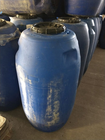 Vendo tambor plástico de 50 e 200 litros