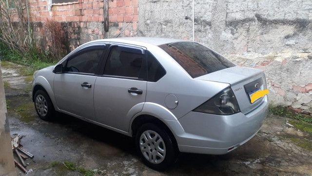 Fiesta sedan 1.6 prata 2011/2012 com Gnv - em perfeito estado - Foto 5