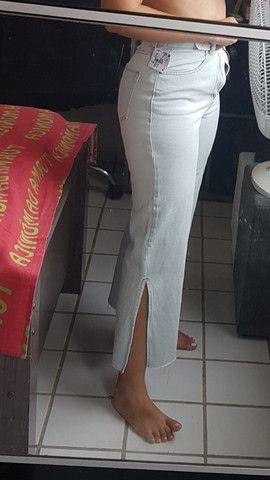 Calça jeans Pantacourt nunca usada - Foto 5