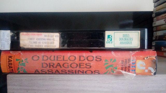 Vhs O Duelo dos Dragões Assassinos/raro/Legendado em português - Foto 3