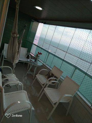 SIM| Apartamento com quartos, sendo 03 suítes, 04 vagas, 160m² a Beira Mar de Olinda