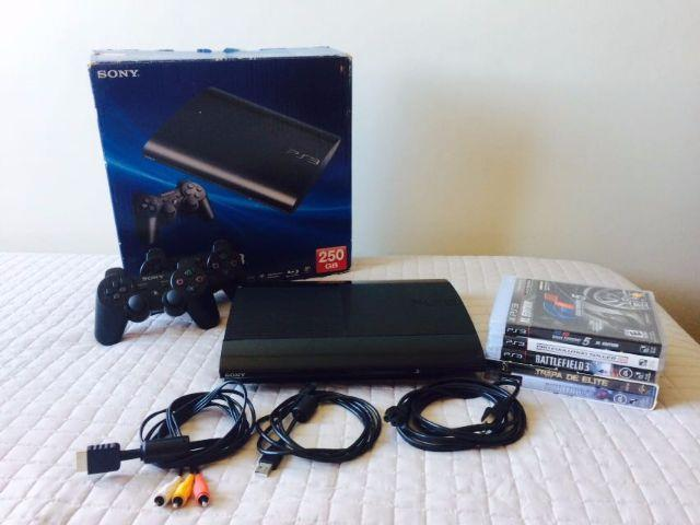 Playstation 3 Slim (PS3) + 4 Jogos