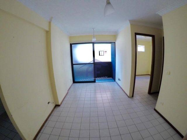 Apartamento com 2 quartos em ótima localização - Edifício Thasos - Ponta Verde