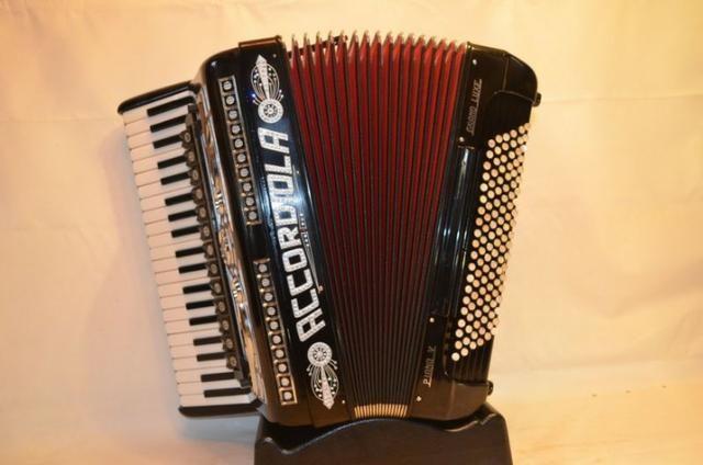 Acordeon accordiola, 120 baixos, mod piano v grand luxe 5ª/5ª voz duplo cassotto - Foto 2