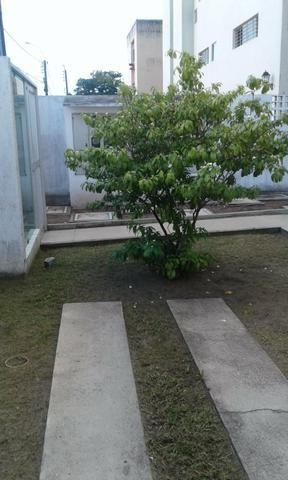 Excelente ap J.Atlantico,seminovo,estrutural,rua calçada,portão eletrônico,armários,suíte - Foto 2