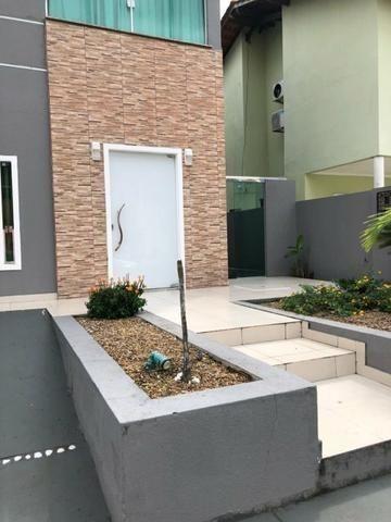 100% Mobiliado Cond. Dalva Toledo Casa Duplex 230m² c/ 04suítes no PQ das Laranjeiras - Foto 5