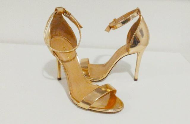 6e0a997be Sandália Arezzo metalizada dourada - Roupas e calçados - Vila do ...