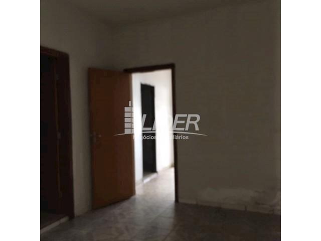 Casa para alugar com 3 dormitórios em São jorge, Uberlândia cod:804306 - Foto 5