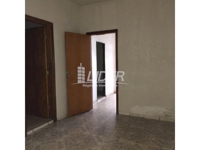 Casa para alugar com 3 dormitórios em São jorge, Uberlândia cod:804306 - Foto 6
