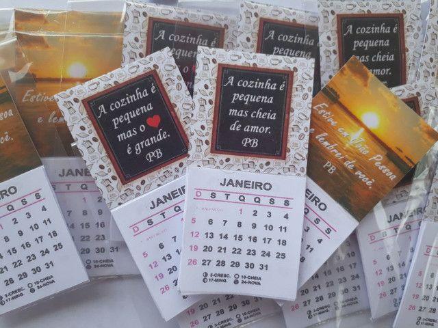 Mini calendario com imã