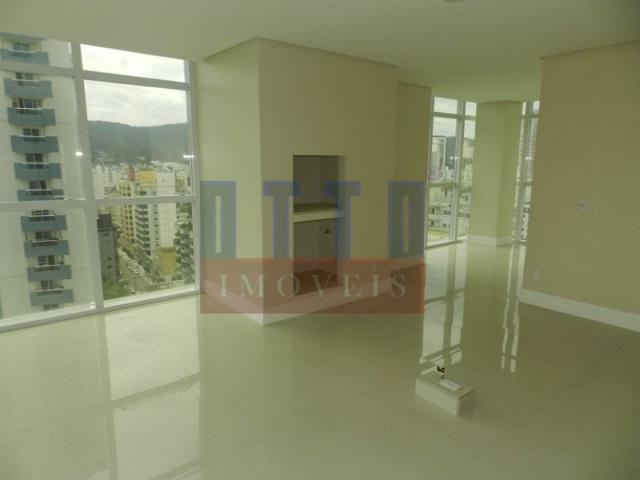 Apartamento 4 suítes no centro de Balneário Camboriú