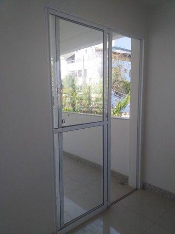 Vende-se! Apto 2 quartos, varanda, 1 vaga livre coberta. Bairro Fernão Dias/Pirajá. - Foto 3