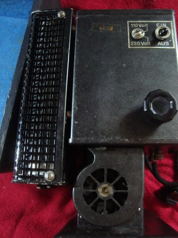 Projetor Antigo Kodakscope 8 Modell 40 Kodak A.G. Com Maleta (Funcionando) - Foto 4