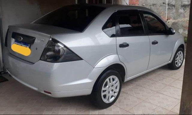 Fiesta sedan 1.6 prata 2011/2012 com Gnv - em perfeito estado