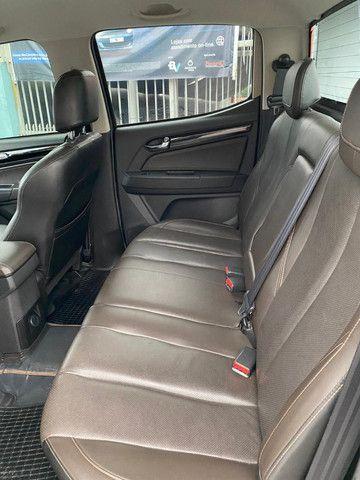 S10 High Country 2018 diesel 4x4 top de linha aceito financiamento e carro de entrada - Foto 10
