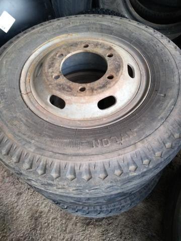 4 pneus 7.50-16