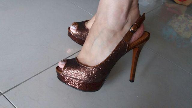 Sapato Arezzo bronze com brilho - n. 36
