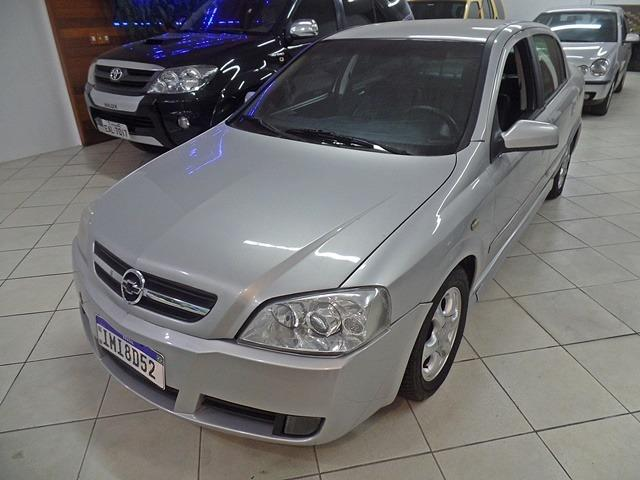 GM - Astra Sedan Elite 2.0 8v - 2005 - Repasse !