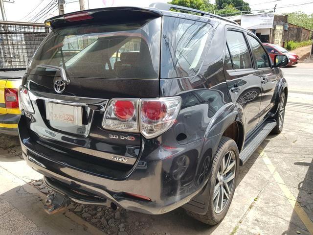 Toyota Hilux SW4 3.0 SRV 2015 7 Lugares - Foto 3