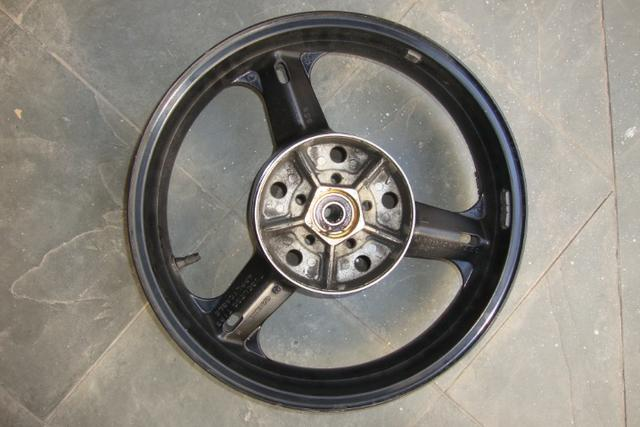 Roda traseira de Suzuki V Strom