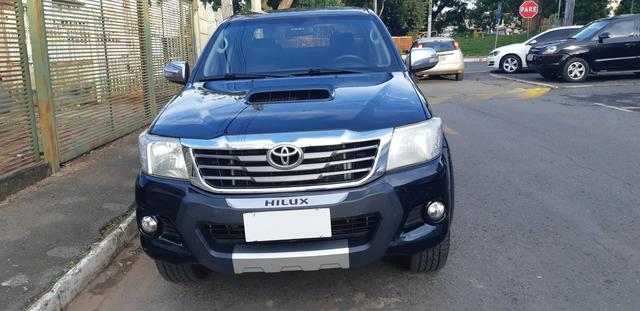 Toyota - Hilux CD Srv 4x4 Diesel Automático Completo 2014/2015 - Foto 2