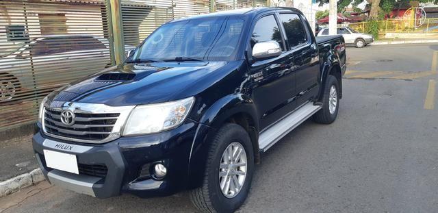 Toyota - Hilux CD Srv 4x4 Diesel Automático Completo 2014/2015