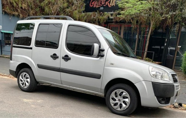 Fiat Doblo Essence 1.8 2014 7 Lugares - Foto 4