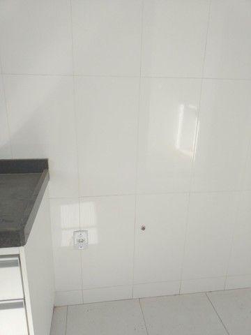 Vende-se! Apto 2 quartos, varanda, 1 vaga livre coberta. Bairro Fernão Dias/Pirajá. - Foto 7