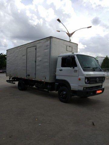 Caminhão Baú VW 8-160<br><br>