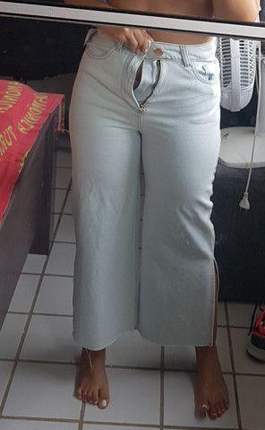 Calça jeans Pantacourt nunca usada - Foto 6