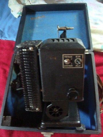 Projetor Antigo Kodakscope 8 Modell 40 Kodak A.G. Com Maleta (Funcionando) - Foto 6