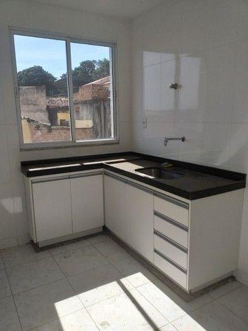 Vende-se! Apto 2 quartos, varanda, 1 vaga livre coberta. Bairro Fernão Dias/Pirajá. - Foto 4