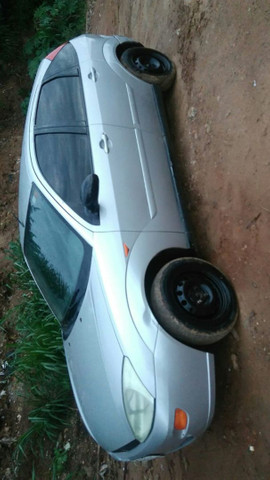 Ford Focus ano 2003 - Foto 4