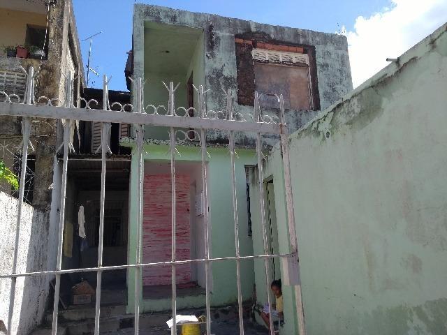 Casa em D. Avelar, com 3/4, duas salas, um banheiro, cozinha e garagem