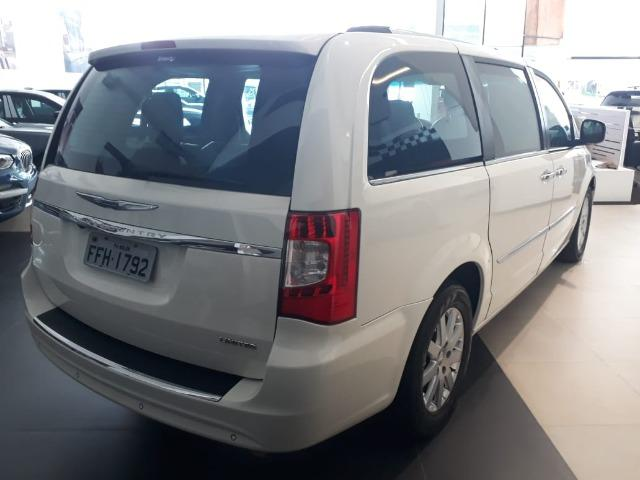 Chrysler Town & Country Limited 7 lugares Blindado - Foto 5