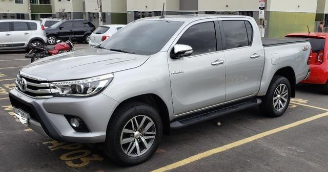 Toyota Hilux SRX 2.8 4x4 - Foto 3
