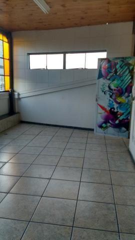 Sala 58m2 no bairro Sagrada Família - Foto 2