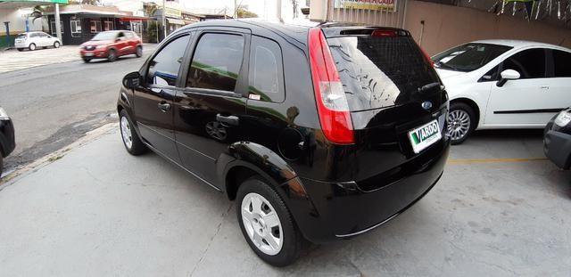 Ford Fiesta 1.0 Completo 2004 - Foto 3
