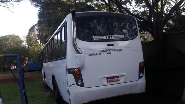 Vendo micro ônibus 28 lugares com Porta para cadeirantes com elevador