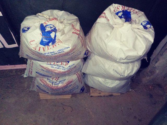 Terra adubada e  com esterco de vaca 25 kilos por $ 10,00 zap * - Foto 6